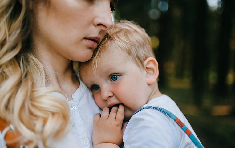 separación del bebé y la madre