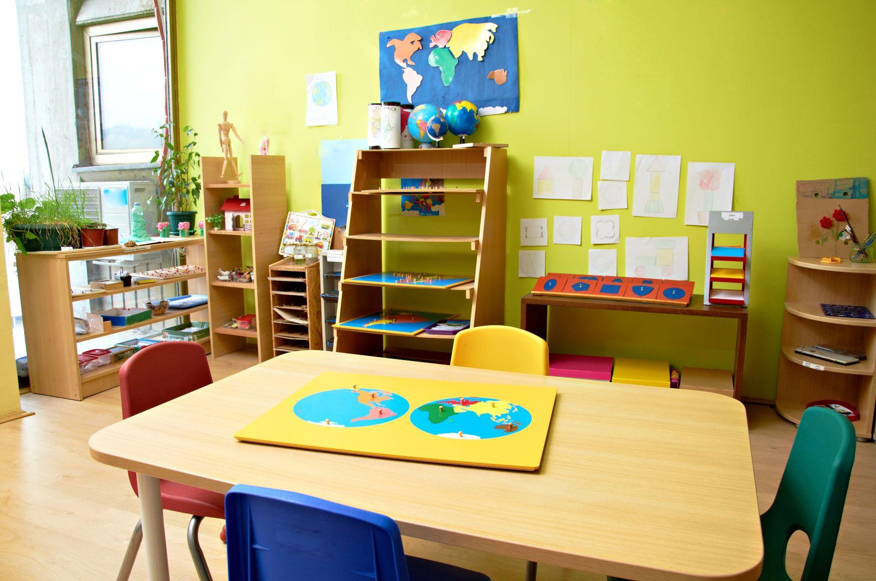 prácticas de observación en escuela Montessori